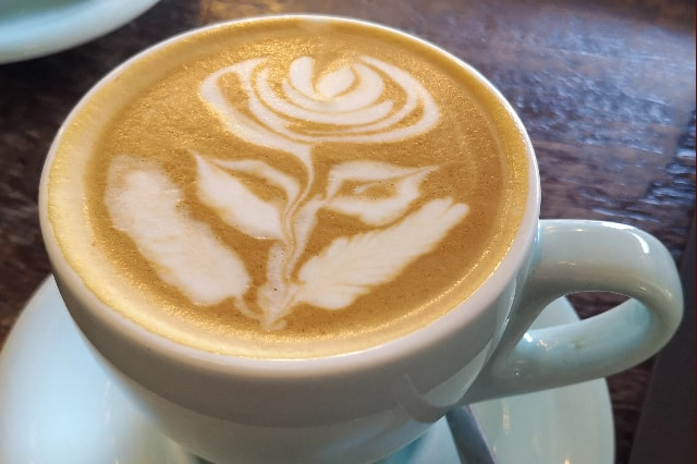 Delonghi Magnifica ESAM3300 Espresso Machine Review